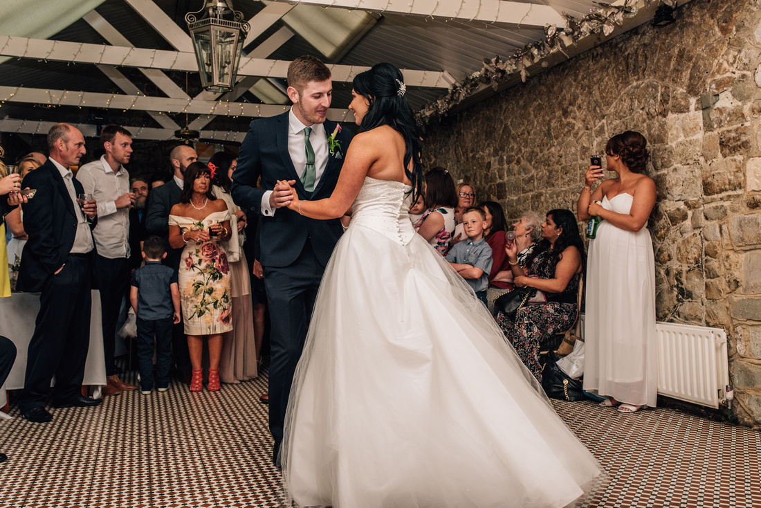 Kent wedding photography at the knowle country house rochester