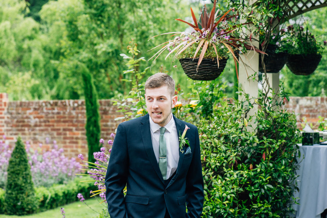 Kent wedding photography at the knowle Rochester